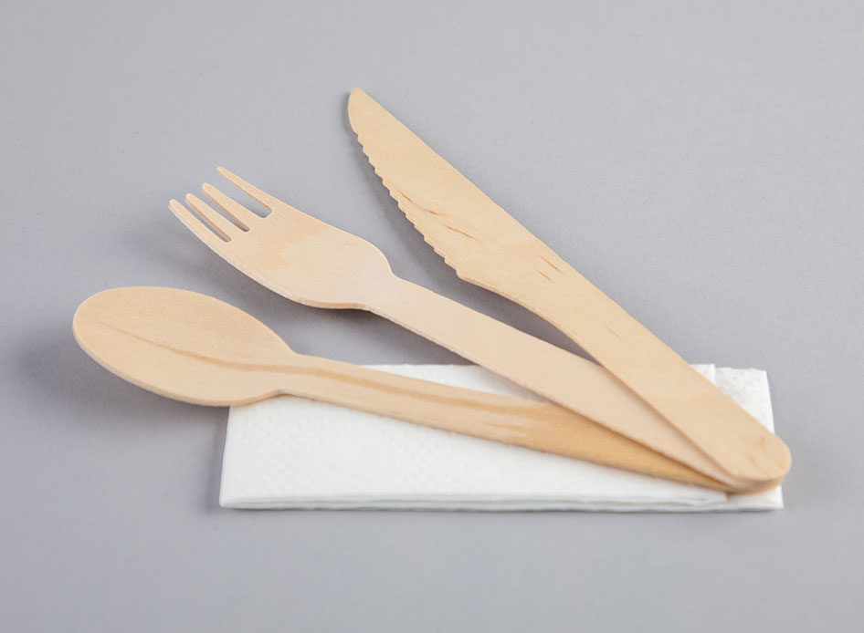 Wooden-Cutlery-Set-with-Napkin